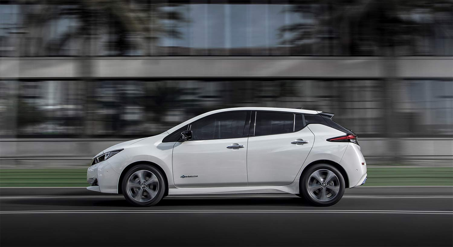Nissan leaf first qui roule