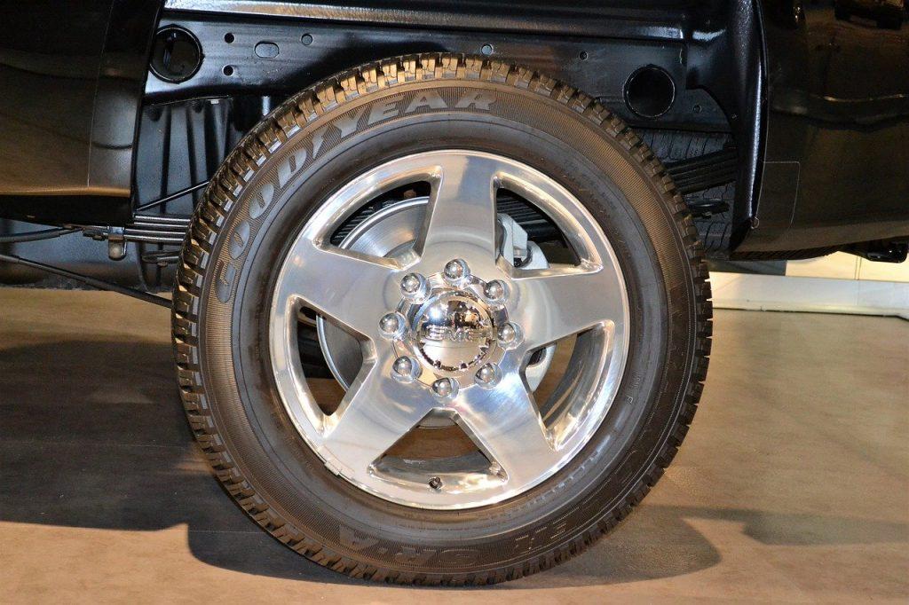 pneu marque goodyear