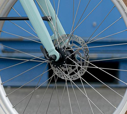 velo-electrique-securite-reine-bike